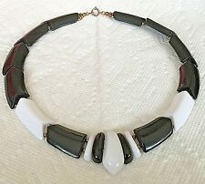 """LUCITE  Black and White Necklace--21""""--Vintage...(E45"""