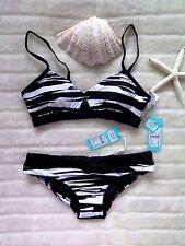 Seafolly Fastlane Bralette 8 Aus & 8 Fastlane Banded Hipster Pants Black White
