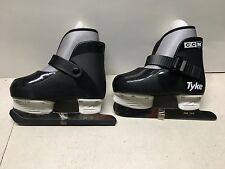 CCM Tyke Youth Ice Skates 6J Childs