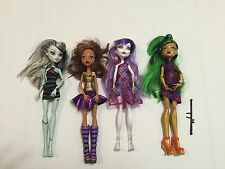 Monster High Lot of 4 Dolls Cleo Gold Jinafire Clawdeen Frankie Stein Spectra