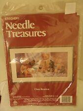 """Teddy Bear Crewel Embroidery Kit Class Reunion Needle Treasures 20"""" X 10"""" VTG"""