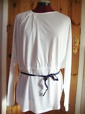 BNWT MAYSAA Ladies Pretty White Pleat Detail Batwing Belted Top Size 10