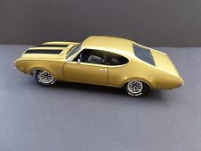 1969 Olsdmobile Cutlass 442 W-30 Gold Die Cast 1/18 Scale Model Ertl Mfg