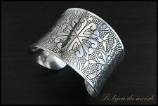 Bracelet en métal argenté et ciselé Bijou Bague Collier Boucles oreilles MMAI 02