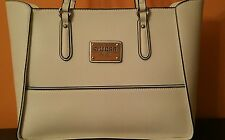GUESS PURSE WHITES 100% AUTHENTIC  NICE & CHEAP!!!