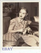 Betty Grable knits circa 1939 VINTAGE Photo