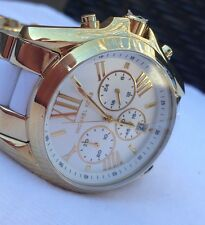 GORGEOUS***MICHAEL KORS MK-5743 GOLD/WHITE RUNWAY CHRONOGRAPH WATCH - HOT!!!