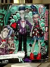 Monster High Ghoulia Yelps & Slo Mo Exclusive 2-Pack Dolls Love's Not Dead NIB