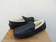 UGG ASCOT BLACK LEATHER/ SHEEPSKIN SLIPPERS, MENS US 9/ EUR 42 ~FITS SMALL ~NEW