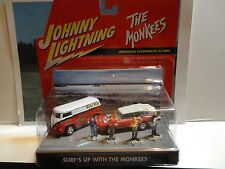 Johnny Lightning The Monkees Surfs Up Diorama Set w/Volkswagen Bus