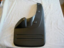 TOYOTA HILUX KUN TGN GGN RH FRONT MUDFLAP SUIT MODELS WITH FLARES 2005 ON