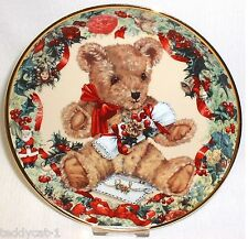 Franklin Mint Sammelteller ~ TEDDY'S FIRST CHRISTMAS ~ von Sarah Bengry