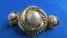 ancienne grande broche vintage chainettes  metal doré perle fantaisie