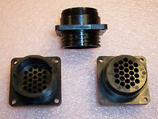 QTY (6)  213866-1 AMP PLASTIC CIRCULAR CONNECTOR 24 POSITION