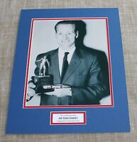 SIR TOM FINNEY PRESTON NORTH END & ENGLAND SIGNED PHOTO MOUNT + COA  PROOF .
