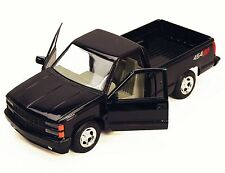 MotorMax 1992 Chevy 454SS Pickup Truck 1:24 Scale die-cast metal model Black M99