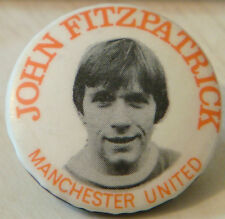 MANCHESTER UNITED Player 1964-73 JOHN FITZPATRICK Button badge 31mm x 31mm