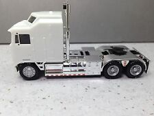 HO 1/87 Promotex/Herpa # 35257 KW K-100 Tractor Five Bar Chrome Chassis - White