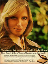 "1971 Vintage ad Revlon Touch & Glow ""Cream Makeup-in-a-Compact"" (041313)"