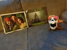 JOHNNY DEPP PIRATES OF THE CARIBBEAN LITHOGRAPH #6252 OF 20,000 & PLUSH SKULL