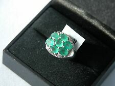 LOT 428 STUNNING EMERALD + WHITE TOPAZ SOLID STERLING SILVER RING - SIZE J