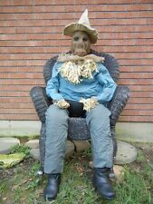 LIFESIZE ANIMATED SITTING UP - ATTACKING SCARECROW CANDY SERVER HALLOWEEN PROP