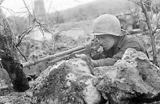 WWII B&W Photo US Soldier with Browning Automatic Rifle BAR  WW2 /1301