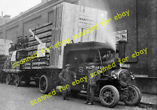 WW1 photo - Pickfords Foden steam tractor, loading from Munitions Works, Lambeth