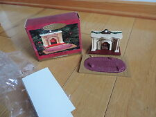 """Bearingers Lighted Fireplace Hallmark Perfect Dollhouse Furniture 1"""" Scale 1993"""