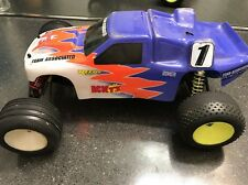 TEAM ASSOCIATED VINTAGE RC10 T3 2WD STADIUM TRUCK ROLLER