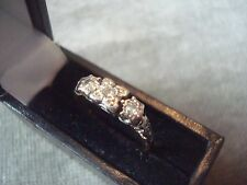 LADIES .750 18CT YELLOW GOLD DIAMOND RING 2.4g SIZE N BOXED REF 6885