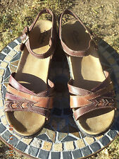Clarks Bendables Leather Sandals, Women's Sz 11 M, Muted Red/Warm Brown