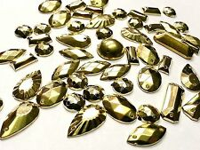 50 x Mixed forgiato oro metallico acrilico Sew on, Stitch on, Stick On montanti, GEMS