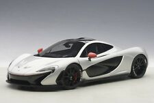 1/18 AUTOart - MCLAREN P1 (ICE SILVER/RED ACCENTS) 2013 (COMPOSITE /FULL OPENING