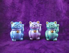 Cheeky Maneki Neko Beckoning Lucky Cat Pearl Blue Lilac Green x1 Figure Ornament