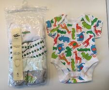 Baby Boys 5 pack of assorted Bodysuit Vests, Babygrow short sleeve 0-1 month
