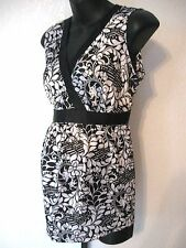 Motherhood Maternity Top Size Medium Black and White Floral Sleeveless      #888