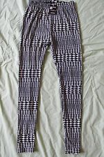 NEW WOMEN'S GOLD MEDAL FASHION LEGGINGS SIZE SMALL BLACK & WHITE HOUNDSTOOTH