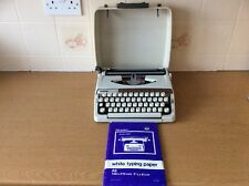 Brother Deluxe 900 Portable Typewriter -- Good Working Condition