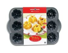 NORDIC WARE HOLIDAY 12 MINI MUFFIN BAKING BUNDT PAN NEW