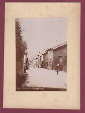 160516 - photo ancienne - 23 BOURGANEUF la grand'rue à - porteur d'eau cruche