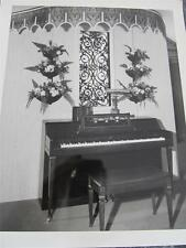 VINTAGE WURLITZER PIANO  8 X 10 GLOSSY BLACK AND WHITE CHICAGO 1960s