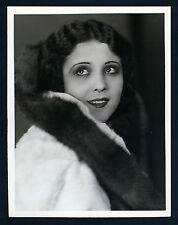 SEXY YOUNG RAQUEL TORRES - OVERSIZE DBLWT PHOTO BY LOUISE - APP WITH MARX BROS.