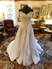GORGEOUS WHITE OFF-SHOULDER WEDDING GOWN HEAVILY BEADED BODICE/SATIN SIZE 10