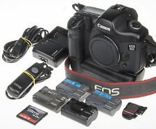 Canon EOS 5D DSLR +BG-E4 grip +4 batt., 4Gb CF, 5,6k clicks *excellent condition