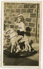 PHOTO ANCIENNE - VINTAGE SNAPSHOT - FILLE CHEVAL DE BOIS JOUET PROFIL - OLD TOY