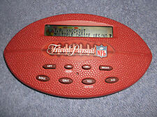 TRIVIAL PURSUIT NFL HAND HELD ELECTRONIC GAME 1998 HASBRO - OVER 3000 QUESTIONS