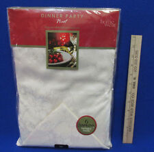 "Christmas Tablecloth & 6 Napkins 70"" Round Ivory Home Wear Noel Holly"