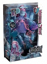 Monster High Bambola KIYOMI HAUNTERLY 30cm Haunted S.O.S. Fantasmi Mattel CDC33