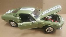 1968 Ford Shelby GT 500KR 428 Cobra Jet 1:18 Diecast  Car Road Signature
